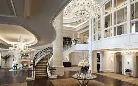 bolshoj-assortiment-eksklyuzivnoj-dizajnerskoj-produkcii-ot-mirovyx-brendov-v-salone-elitnogo-interera-v-kieve